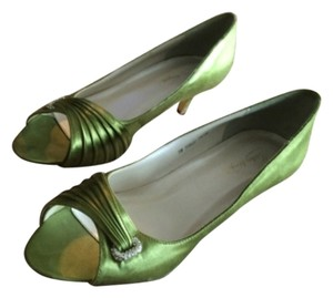 Michelangelo Green Pumps