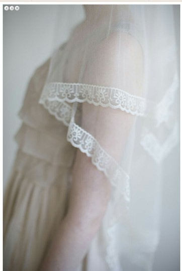BHLDN Ivory Medium Twigs and Honey Silk Tulle with Lace Bridal Veil Image 2