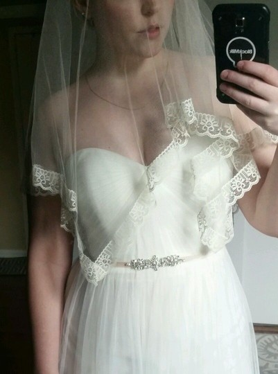 BHLDN Ivory Medium Twigs and Honey Silk Tulle with Lace Bridal Veil Image 4