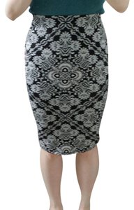 Charlotte Russe Pencil Patterned Skirt Black and white