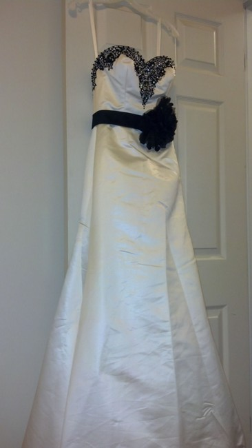 Item - Ivory (With Black Accents) Satin Style 2405 Modern Wedding Dress Size 4 (S)