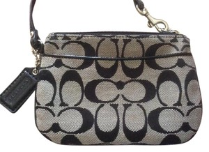 Coach Wallet Signature Small Wristlet in Grey/Black