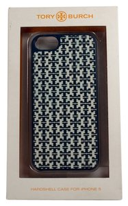 Tory Burch Tory Burch Mini Stacked T Silicone Applique Hardshell iPhone 5/5S Case