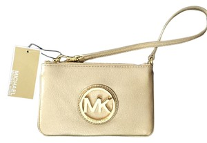Michael Kors Leather Pebbled Zip Top Closure Two Slip Pockets Gold Wristlet in Pale Gold