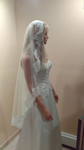 Waltz Mantilla Bridal Veil With Comb