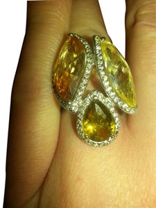 rare giant vintage topaz royal cocktail ring. yellow gold and peach topaz.