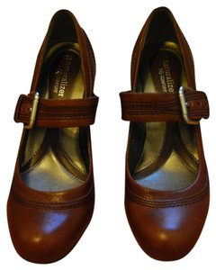 Naturalizer Brown/Coffee Bean Pumps