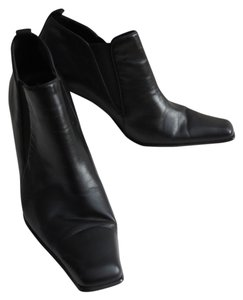 Mossimo Supply Co. Leather Ankle Bootie Black Boots
