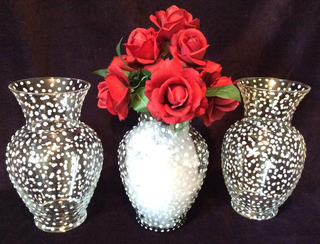 Clear Polka Dot 8 Glass Vases with Pattern Reception Decoration Clear Polka Dot 8 Glass Vases with Pattern Reception Decoration Image 1