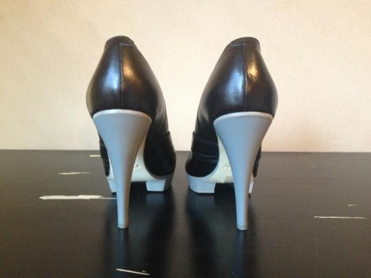 Chloé Black & Grey Pumps