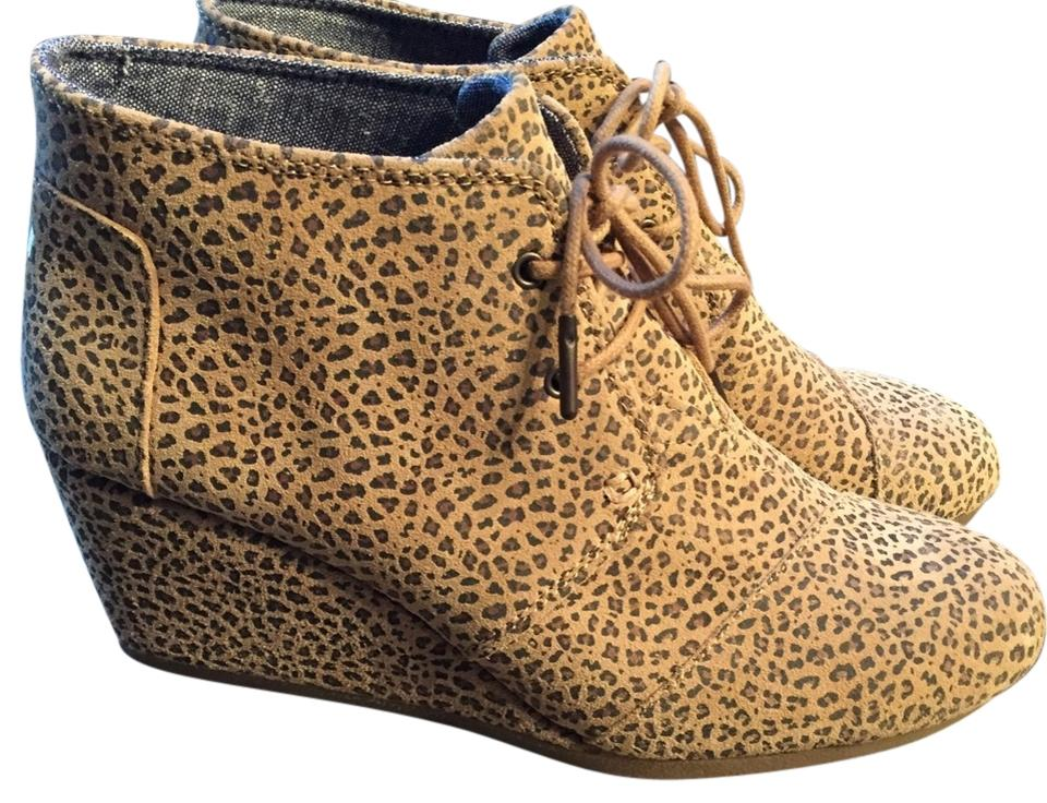 362a63fd9c5 TOMS Cheetah Print Desert Wedge Boots Booties Size US 9.5 Regular (M ...