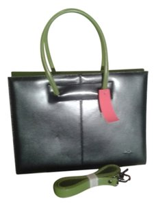 Daniela Moda Tote in black with green