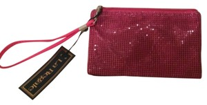 La Regale Wristlet in Pink