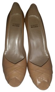 Stuart Weitzman Neutral tan Pumps