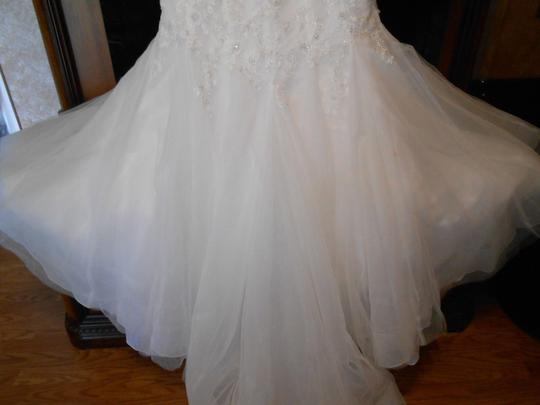 Enzoani Ivory/Silver Tulle/Lace Style Bt-13-16 Modern Wedding Dress Size 20 (Plus 1x)