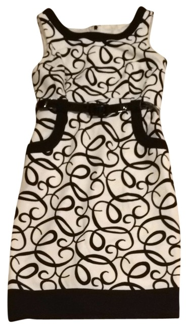 Preload https://img-static.tradesy.com/item/1153893/london-times-black-and-white-everyday-easy-complete-work-outfit-skirt-suit-size-6-s-0-0-650-650.jpg