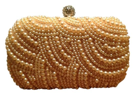 Preload https://item2.tradesy.com/images/glamour-wedding-party-champagne-beaded-clutch-1153981-0-0.jpg?width=440&height=440