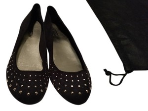 Seychelles Studs New Black and gold Flats