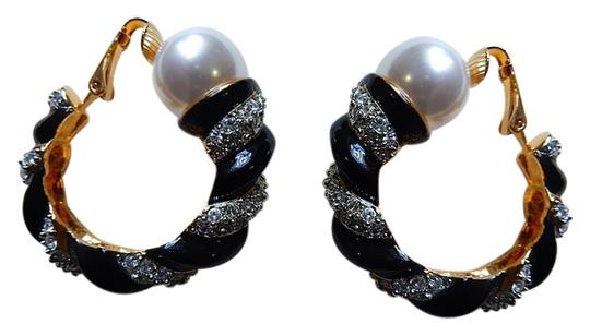 Kenneth Jay Lane Kenneth Jay Lane Swarovski Crystals & Pearl Enamel Clip On Earrings