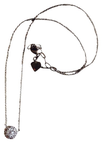 Preload https://item1.tradesy.com/images/stella-and-dot-flower-necklace-1155245-0-0.jpg?width=440&height=440