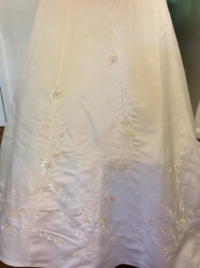 Jasmine Bridal Ivory Classy with Detail Full Train Traditional Wedding Dress Size 6 (S)