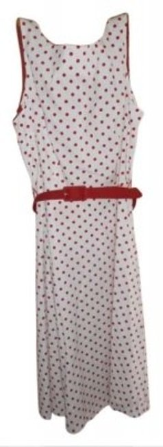 Item - White with Red Polkadots Sundress By Cute Back Buttons Belt. 97% Cotton 3% Spandex Mid-length Short Casual Dress Size 12 (L)