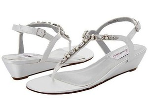 Dyeables White Myra Satin Sandals Size US 7