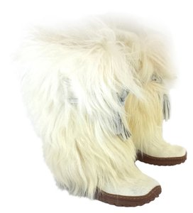 Pajar White Furry Suede Boots