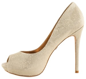 Badgley Mischka Shimmer Platino Metallic Gold Pumps