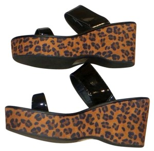Express Slides Black. Wedges