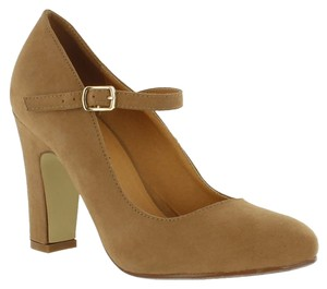 Red Circle Footwear Chunky Heel Mary Jane Camel Pumps