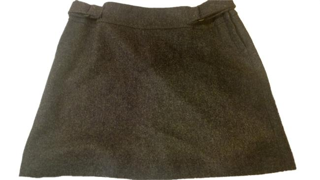 Preload https://item1.tradesy.com/images/american-eagle-outfitters-wool-blend-miniskirt-size-2-xs-26-1157160-0-0.jpg?width=400&height=650
