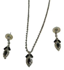 VINTAGE NECKLACE EARRINGS SET BLACK AND CLEAR RHISNTONE