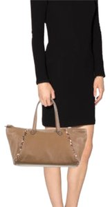 Bottega Veneta Tote in Light brown w/ gunmetal hardware