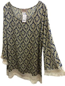 Lady Noiz Longsleeve Lace Trim Polyester Bell Sleeve Tunic