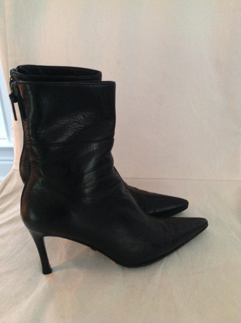 Item - Black Leather Boots/Booties Size US 4 Wide (C, D)