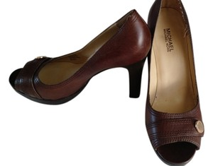 Michael Kors Peep Toe Classic Leather Designer Wood Brown Pumps