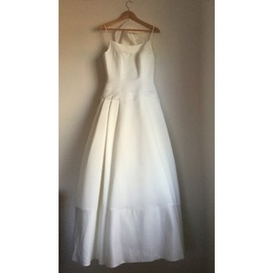 Ivory Satin Gown Traditional Wedding Dress Size 6 (S)