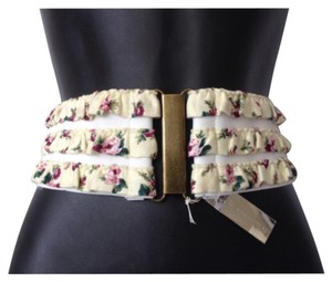 BCBGeneration Floral wide waist belt flower size S/M small/medium stretch