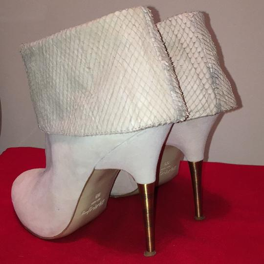 Elizabeth and James Off white Suede Boots Image 1