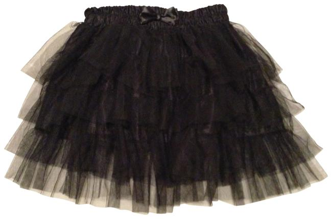 Preload https://item1.tradesy.com/images/hot-topic-black-tutu-tiered-size-6-s-28-115945-0-0.jpg?width=400&height=650