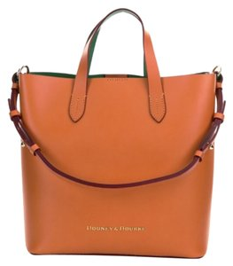 Dooney & Bourke Satchel in Tanish
