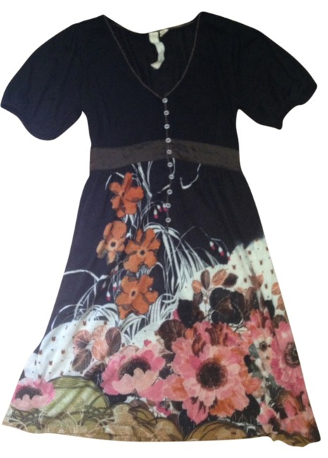 Item - Black with Floral Detail Mid-length Short Casual Dress Size 12 (L)