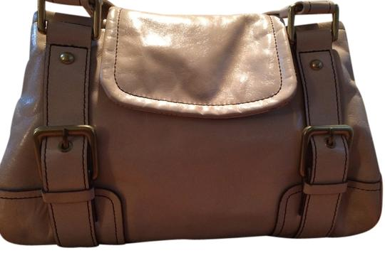 Preload https://item2.tradesy.com/images/kenneth-cole-nude-pink-leather-satchel-1160201-0-0.jpg?width=440&height=440
