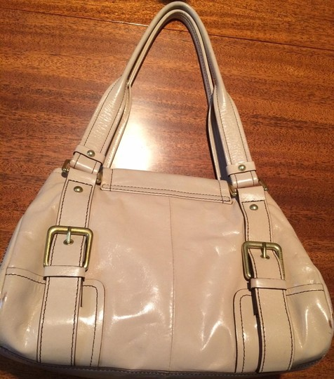 Kenneth Cole Satchel in Nude / Pink
