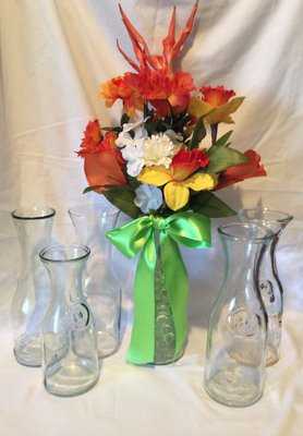 Set of 6 vintage wine carafe clear glass decanters for Clear wine bottle centerpieces