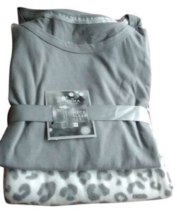Sonoma Life & Style NWT* New With Tags~ Sonoma Life & Style Woman's Pajama set Flannel RN#73277