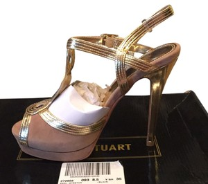 Colin Stuart Beige Pumps