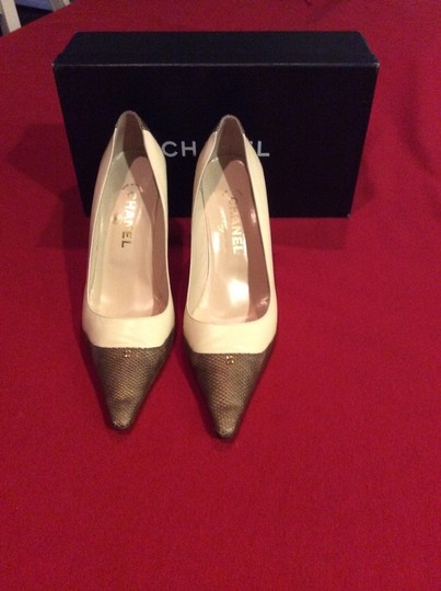 Chanel Pink and Brown Lizard Spectator Pumps Image 2