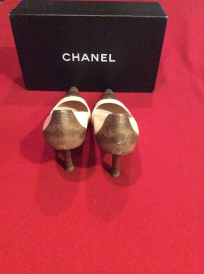Chanel Pink and Brown Lizard Spectator Pumps Image 3